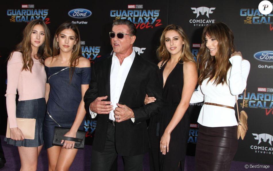 Sylvester Stallone avec sa femme Jennifer Flavin et ses filles Sistine, Scarlett et Sophia - Avant-première des Gardiens de la galaxie 2 à Los Angeles, le 19 avril 2017.