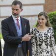 Le roi Felipe VI et la reine Letizia d'Espagne présidaient à la cérémonie du prix Cervantes à l'université d'Alcala de Henares, le 20 avril 2017.