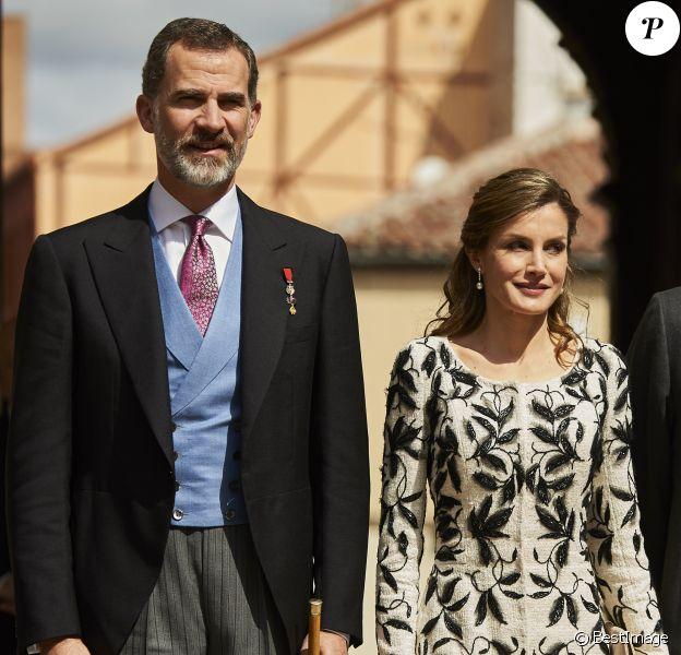 Le roi Felipe VI et la reine Letizia d'Espagne lors de la cérémonie du prix Cervantes à l'université d'Alcala de Henares, Espagne, le 20 avril 2017. © Jack Abuin/Zuma Press/Bestimage