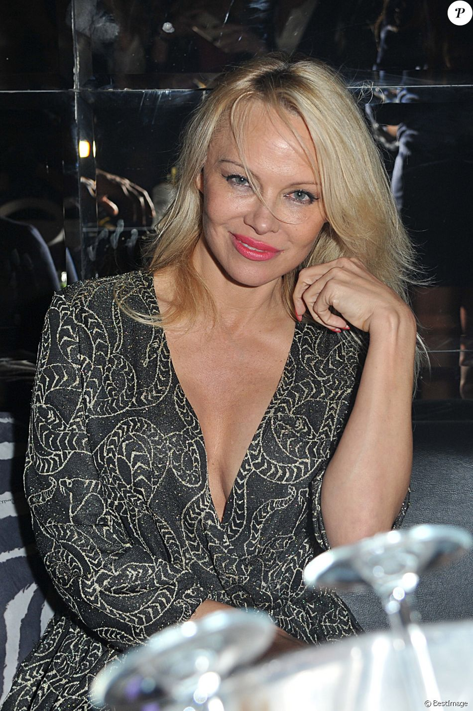 exclusif pamela anderson la soir e just cavalli milan en italie le 9 avril 2017 purepeople. Black Bedroom Furniture Sets. Home Design Ideas