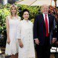 Ivanka Trump, Peng Liyuan, les présidents des États-Unis et dela Chine Donald Trump et Xi Jinping, et Melania Trump à Mar-a-Lago, en Floride. Le 7 avril 2017.