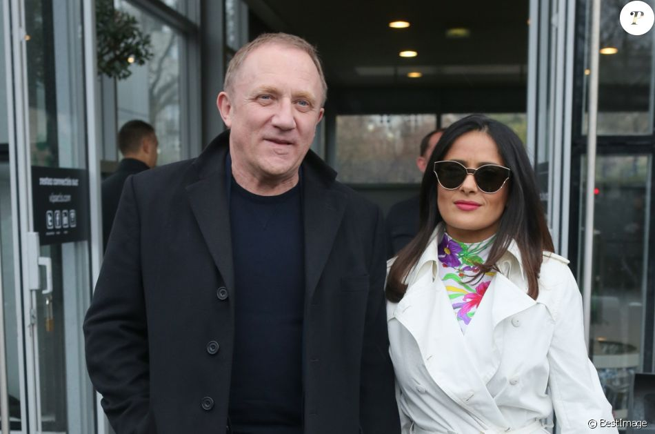 fran ois henri pinault et sa femme salma hayek sortant du d fil de mode balenciaga collection. Black Bedroom Furniture Sets. Home Design Ideas