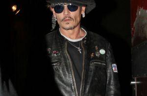 Johnny Depp étonne en Jack Sparrow alors qu'on le traite de