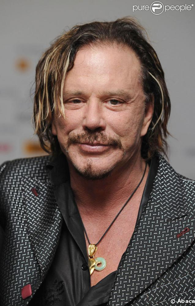 http://static1.purepeople.com/articles/4/23/30/4/@/160246-mickey-rourke-637x0-3.jpg