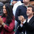Arnaud Lagardère et sa femme Jade Foret - People dans les tribunes des internationaux de France de tennis à Roland Garros le 1er juin 2016.