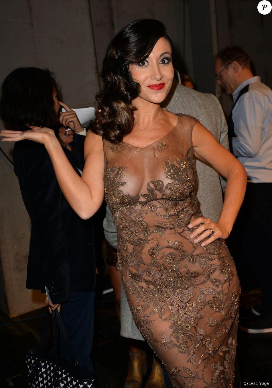 Samia Nassri (par Fabienne Carat) - Page 6 3236557-fabienne-carat-backstage-du-defile-du-950x0-1