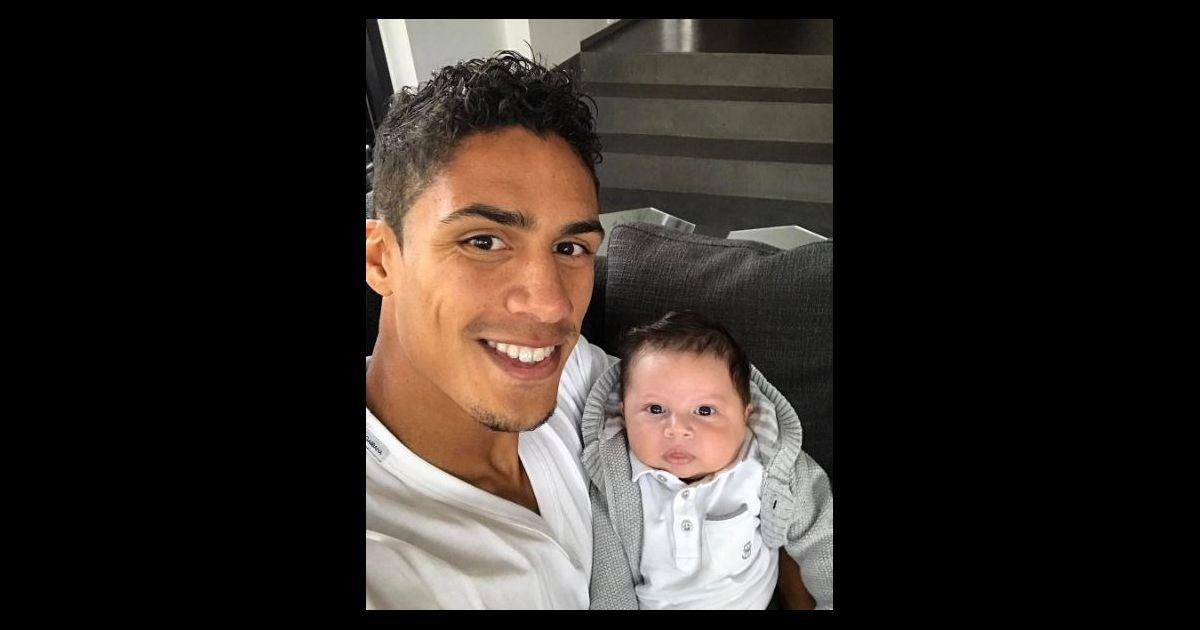 Rapha l varane pose avec son fils ruben sur instagram le 1er mai 2017 purepeople - Raphael de casabianca et sa femme ...