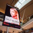 """Hailey Baldwin au lancement de sa ligne de produits de beauté """"Hailey Baldwin for Modelco"""" à Sydney, le 5 décembre 2016."""