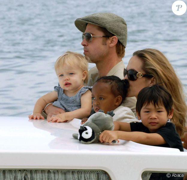 Brad Pitt, Angelina Jolie et trois de leurs enfants : Shiloh, Zahara et Pax