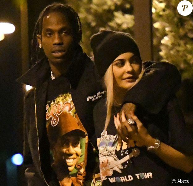 Kylie Jenner et Travis Scott se promènent dans les rues de Miami le 7 mai 2017