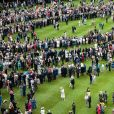 Vue aérienne de la première garden party de 2017 dans les jardins du palais de Buckingham, le 16 mai 2017 à Londres.