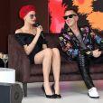 Cara Delevingne et le créateur de mode Jeremy Scott participent au lancement de la collaboration Magnum x Moschino sur la plage Magnum Cannes. Le 18 mai 2017.