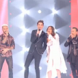 Le premier live de  The Voice 6  s'ouvre avec l'interprétation de  Shape of You , d'Ed Sheeran, par les 16 Talents et les 4 coachs.