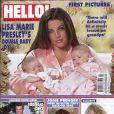 La couverture de Hello dans lequel les photos de mariage de Fergie et Josh Duhamel sont visibles