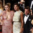 """Elizabeth Olsen, Nicole Sheridan et son mari Taylor, Julia Jones - Montée des marches du film """"The Square"""" lors du 70ème Festival International du Film de Cannes. Le 20 mai 2017. © Borde-Jacovides-Moreau / Bestimage"""