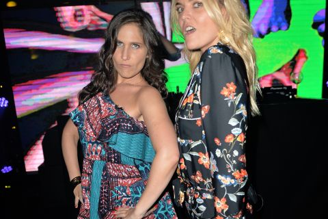 Joséphine Draï et Justine Fraioli en folie à la Villa Schweppes à Cannes