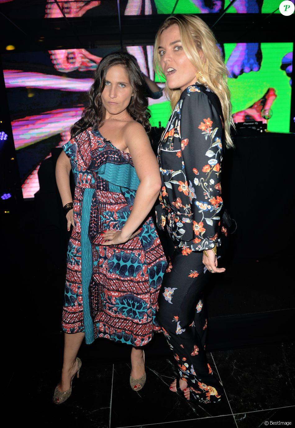 """Exclusif - Joséphine Draï et Justine Fraioli - Soirée du film """"Western"""" à la Villa Schweppes lors du 70ème festival de Cannes le 18 mai 2017. © Veeren/Bestimage"""