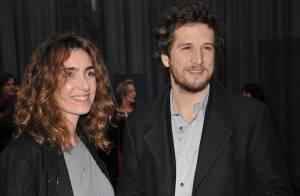 Guillaume Canet sur son 31 et en charmante compagnie chez Louis Vuitton...