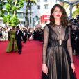 Laetitia Casta à la montée des marches de la soirée du 70ème Anniversaire du Festival International du Film de Cannes, le 23 mai 2017. © Giancarlo Gorassini/Bestimage