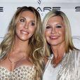 """Olivia Newton-John et sa fille Chloe Lattanzi pour le 35 ème anniversaire de la sortie de """"Xanadu"""" le 9 août 2015"""