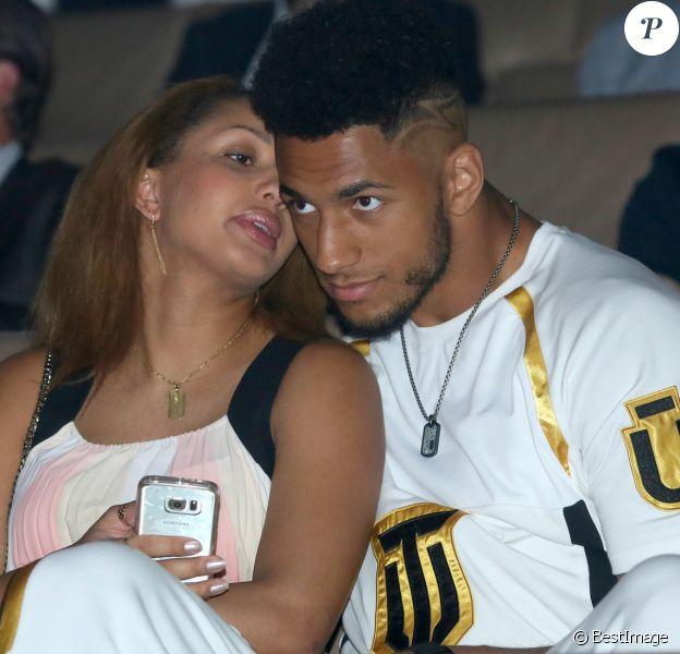 Estelle Mossely (enceinte) et son compagnon Tony Yoka lors de la conférence de presse de l'événement boxe ''La Conquête'' au siège de Canal + à Issy-les-Moulineaux, le 1er juin 2017.