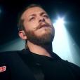 Nicola Cavallaro, talent de Zazie, a interprété  Your Song  d'Elton John lors de la grande finale de  The Voice 6  sur TF1 le 10 juin 2017.