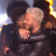 Lisandro Cuxi et M Pokora ont repris  Cry me a river  de Justin Timberlake lors de la finale de  The Voice 6  sur TF1 le 10 juin 2017.