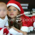 Le petit Ayrton et sa soeur font le bonheur de Véronika  Loubry