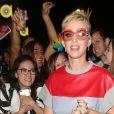 """Katy Perry va saluer ses fans à la sortie du pub """"The Water Rats"""" à Londres, le 25 mai 2017.© CPA/Bestimage"""