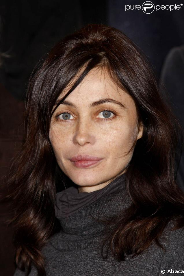 Emmanuelle Beart - Wallpaper Gallery