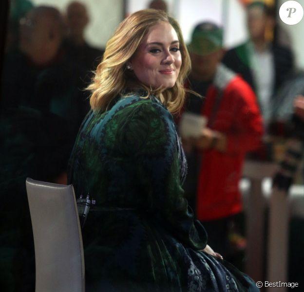 """La chanteuse Adele sur le plateau du """"Today Show"""" à New York le 25 novembre 2015."""