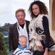 Boris Becker avec sa femme Lily et son fils Amadeus durant la finale du Monte Carlo Rolex Masters 2017 à Monaco, le 23 avril 2017. © Bruno Bebert/Bestimage