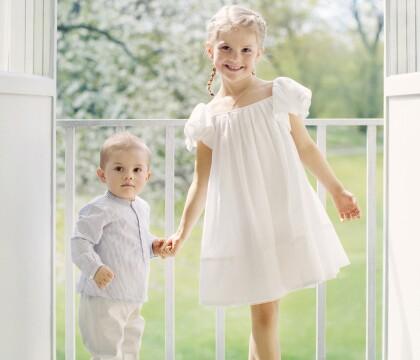 Estelle et Oscar de Suède : Photos d'été des enfants de Victoria, complices