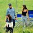 "Exclusif - Emily Ratajkowski, Aaron Paul et Riccardo Scamarcio sur le tournage du film ""Welcome home"" à Todi, Italie, le 24 mai 2017."