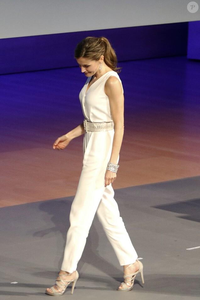 ee1311d7c52ab Letizia d Espagne  Combi-pantalon