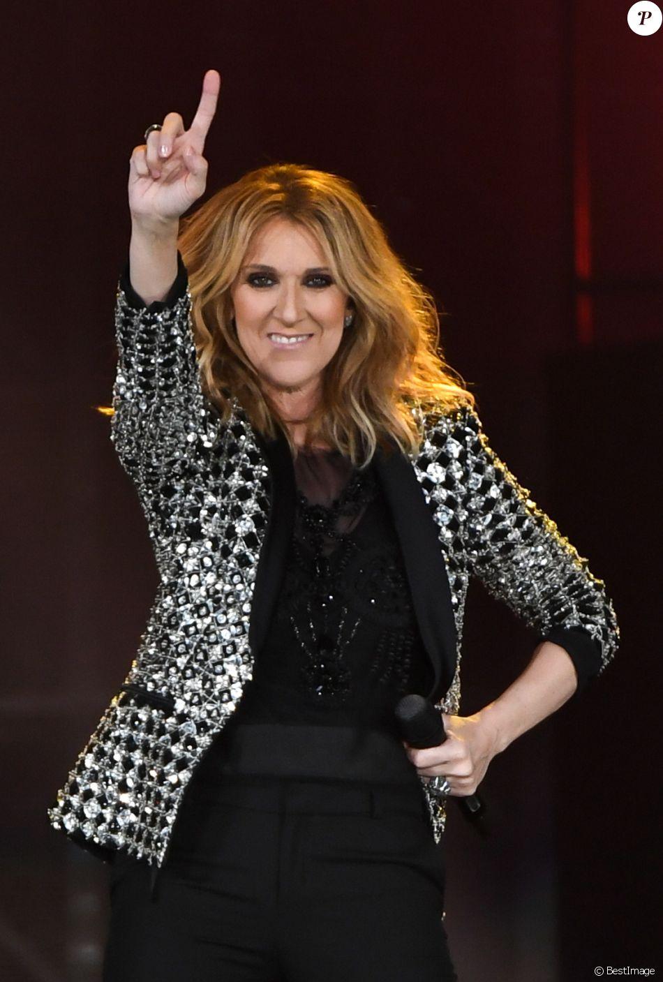 Céline Dion en concert à l'AccorHotels Arena, Paris, le 4 juillet 2017. © Lionel Urman/Bestimage