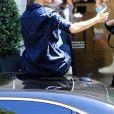 Céline Dion quitte l'hôtel Royal Monceau à Paris le 4 juillet 2017.
