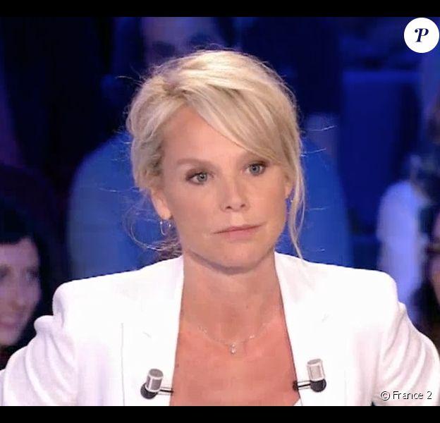 """Vanessa Burggraf dans """"On n'est pas couché"""" sur France 2 le 20 mai 2017."""