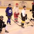 Exclusif - René-Charles Angelil et ses amis vont faire une partie de hockey sur glace à la patinoire de Courbevoie, suivie d'un déjeuner au restaurant Chipotle à Levallois-Perret. Le 7 juillet 2017.