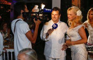 Pamela Anderson : Marraine chic en blanc à Ramatuelle pour une soirée vegan