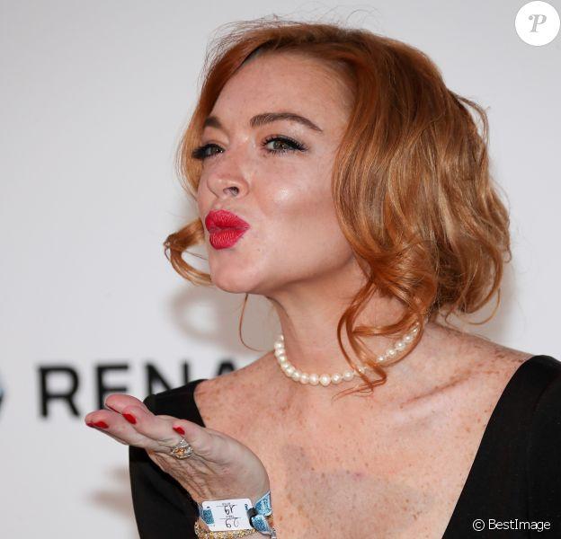 """Lindsay Lohan (robe Christophe Guillarmé) - Photocall de la soirée """"24th edition of AmfAR's Cinema Against AIDS"""" Gala à l'hôtel de l'Eden Roc au Cap d'Antibes, le 25 mai 2017, lors du 70ème Festival International du Film de Cannes. © Borde-Jacovides-Moreau / Bestimage"""