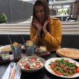 Iris Mittenaere et Laury Thilleman au restaurant sur Twitter, le mardi 11 juillet 2017.