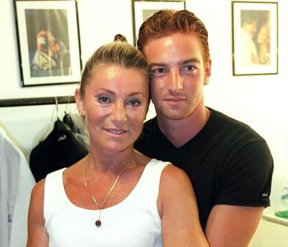 """Sheila face à la rumeur : Son fils Ludovic était """"devenu la risée"""" de l'école"""