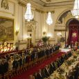 La reine Elizabeth II offrait un banquet officiel en l'honneur du roi Felipe VI et de la reine Letizia d'Espagne, le 12 juillet 2017 à Buckingham Palace, à l'occasion de leur visite officielle, la première d'un souverain espagnol au Royaume-Uni depuis 31 ans.