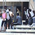 Exclusif - Paul Pogba (Manchester United) s'entraine à l'université de Californie à Los Angeles (UCLA). Sa nouvelle compagne vient lui rendre visite, le 7 juillet 2017.