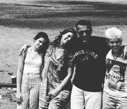 Benjamin Castaldi et Aurore comblés: Photos de vacances de la famille recomposée