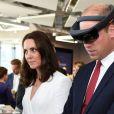 Le prince William et Kate Middleton visitaient un incubateur de start-up à l'immeuble d'affaires The Spire et ont pu s'essayer à la réalité virtuelle, le 17 juillet 2017 à Varsovie lors de leur visite officielle en Pologne.
