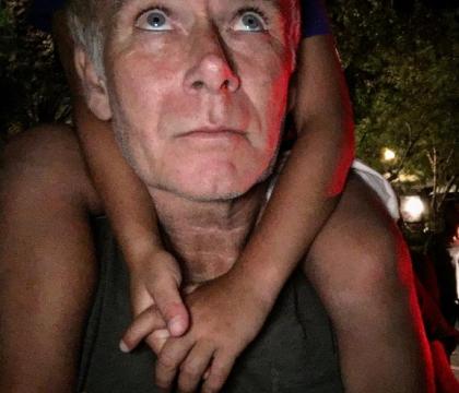 """Franck Dubosc """"daddy cool"""" avec son petit Milhan : Ce """"bonheur d'être père"""""""