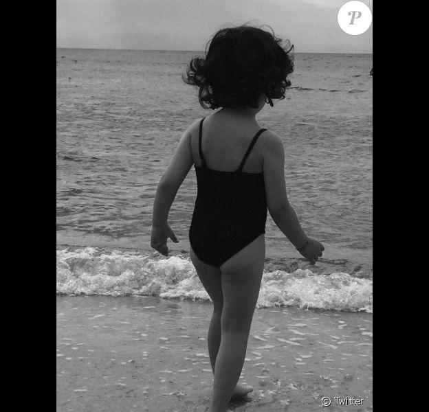 Faustine Bollaert dévoile sa petite Abbie (4 ans) le 18 juillet 2017.