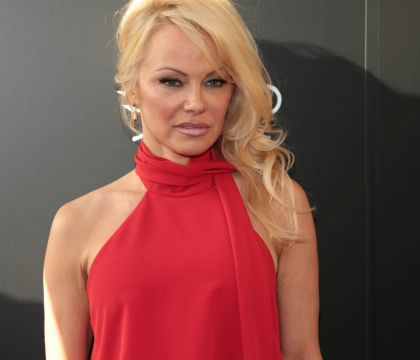 """Pamela Anderson, anti-corrida : Elle se mobilise contre """"les jeux barbares"""""""